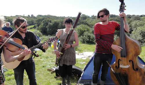 Moulettes - Folk Radio UK Purbeck Field Sessions